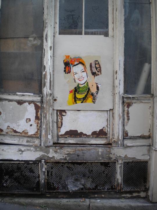 Barcelone carmen miranda two twelve peinture pochoir for Pochoir peinture